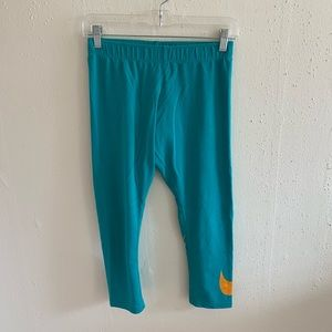 Nike Swoosh Graphic Cotton Capri Leggings Size M